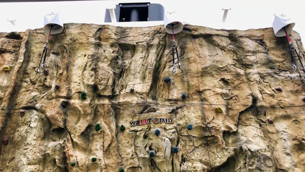 Singapore Dream Cruise Free Rock Climbing